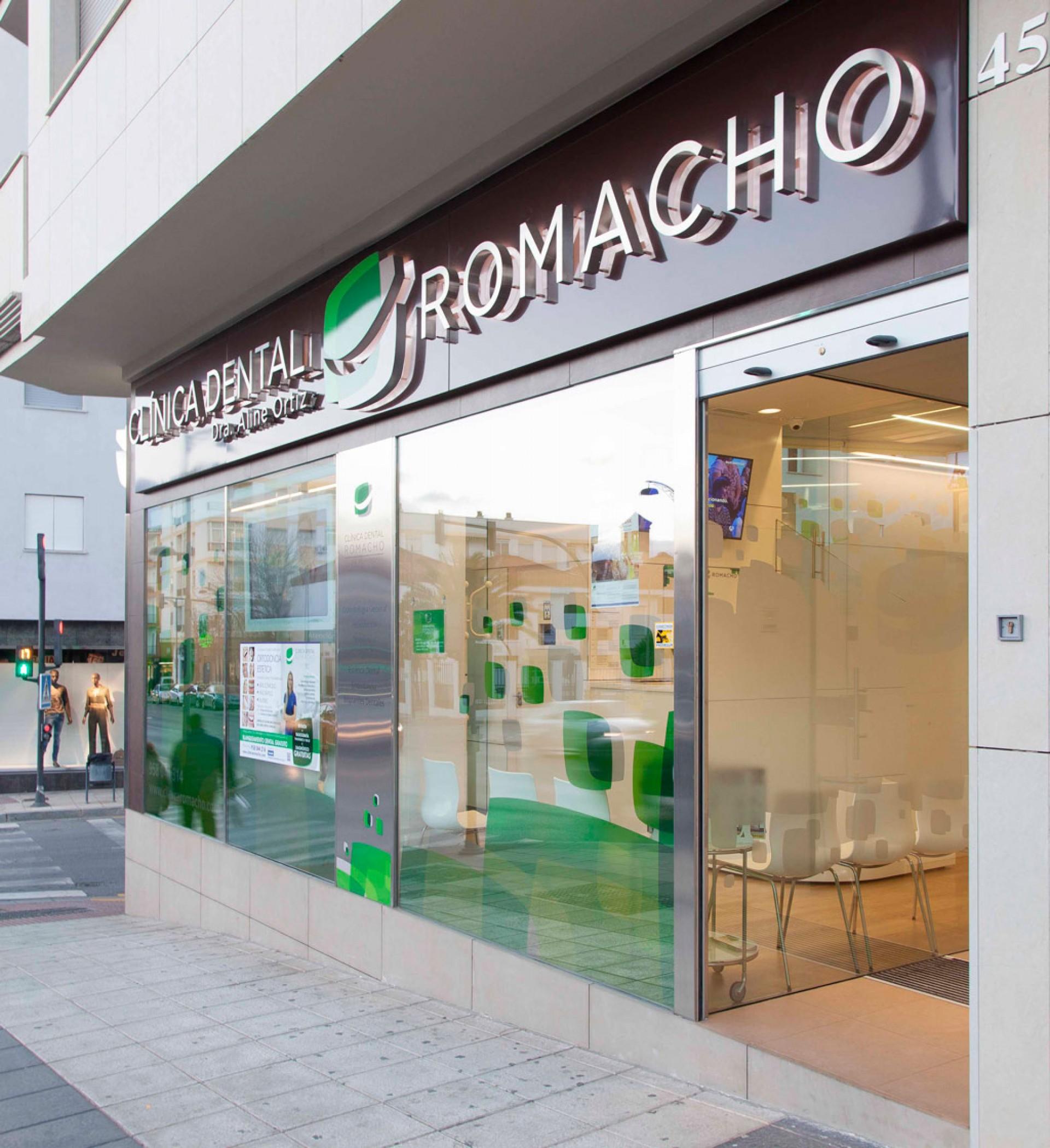 CLÍNICA DENTAL ROMACHO